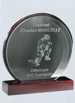Trophée imitation Acajou + Plaque en verre 159-43